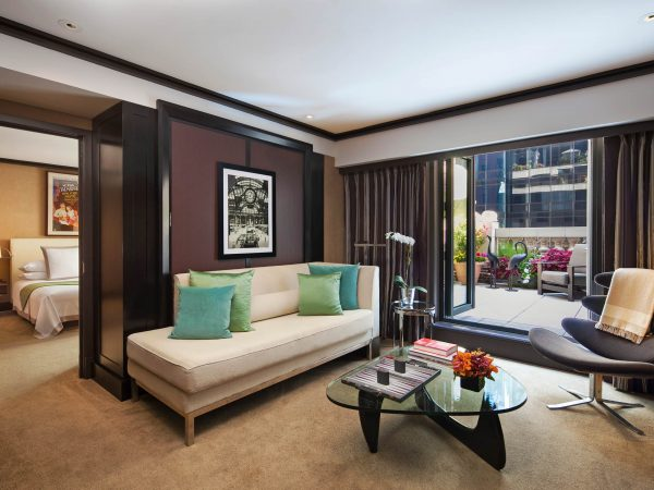 Galeria de Fotografias de Hotelaria The Chatwal Luxury Collection Hotel New York Chatwal Suite Living Room Area 600x450