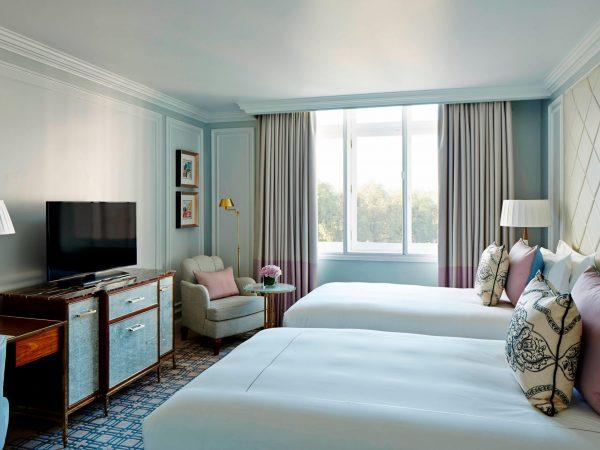 Galeria de Fotografias de Hotelaria lonpl guestroom 0117 hor clsc scaled 600x450